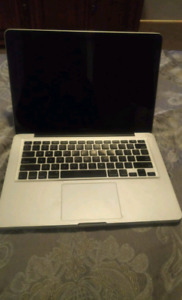 2009 macbook pro READ DESCRIPTION