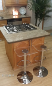LAMINATE ISLAND COUNTERTOP PROFESSIONALLY CONSTRUCTED 40 X40