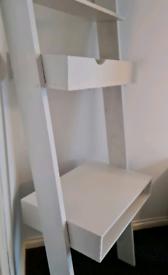 Sturdy ladder desk