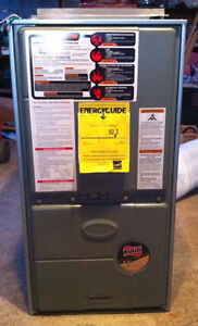NewRUUD/Rheem 75,000 BTU 92% Eff Modulating Downflow Gas Furnace