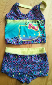 Maillot Hello Kitty, Gr: SP 7/8 ans comme neuf!