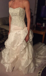 Used Soterro and Midgely Wedding gown