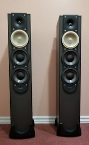 Paradigm Monitor 7 v6 Tower Speakers with Boxes !