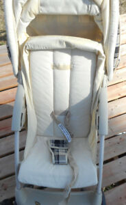 Stroller Very Good Condition (professionally cleaned) $30 obo