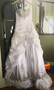 Private Label By G wedding dress never altered