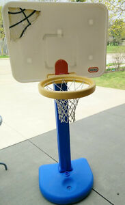 Extandable Little Tikes basketball net with ball