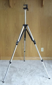 Tripod for photography/videography