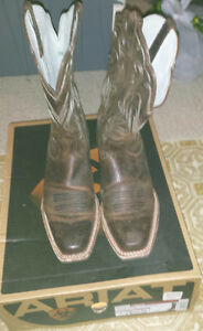 ARIAT WOMENS COWGIRL BOOTS