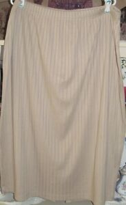 Ribbed beige skirt Size 26/28