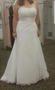 Wedding dress-NEW WITH TAGS