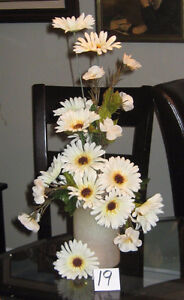 Beige Gerber Daisies (frosted vase) #19