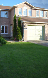 Townhouse in Innisfil / Freehold