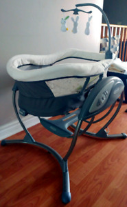 Graco DreamGlider Gliding Seat and Sleeper