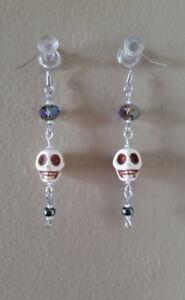Skull Earrings - Natural
