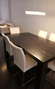 Dining Table - Table a diner