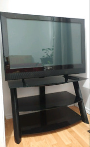 43 in Hd Tv with Stand