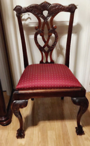 Gorgeous antique chair *real wood*//Chaise antique magnifique