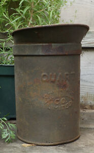 QUART CAN FROM E.T. WRIGHT CO, HAMILTON, ON (OIL CAN/RAILWAY?) Peterborough Peterborough Area image 1