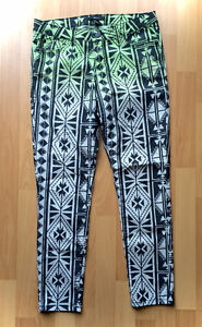 Forever 21 Green White Ombre Skinny Jeans Pants Geometric Size 4