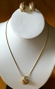 Necklace,post earrings.New and never used. Fashion Jewelry.