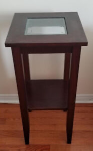 Table with Glass Middle