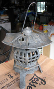 Cast iron pagoda lawn / candle ornament