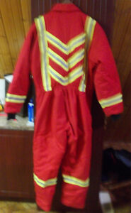 CANADIAN MADE INSULATED COVERALLS SIZE LARGE WORN ONCE ONLY. Strathcona County Edmonton Area image 2