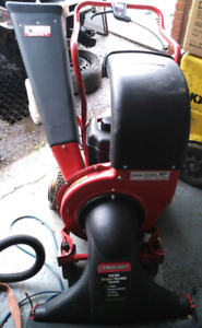 TROY-BILT 3-in-1 Self Propelled Chipper/Shredder/Vacuum