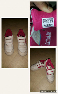 $12 ~ Girls Adidas rubber shoes
