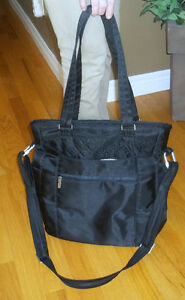 FOR SALE--- Travelon --Anti-Theft Signature BlackTote