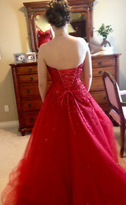 Gourges Luxury Princess Sweetheart Graduation Dress, S-M Edmonton Edmonton Area image 4