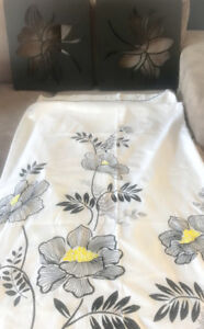 *WHITE, BLACK & YELLOW SHOWER CURTAIN & 2 MATCHING PICS FOR SALE