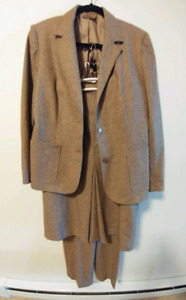 Ladies 3Piece Suit