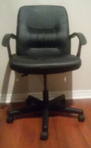 Computer Chair. Good condition.