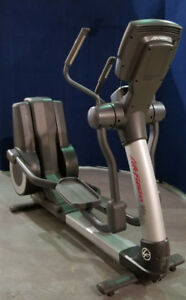 LIFE FITNESS 95X COMMERCIAL ELLIPTICAL