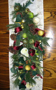 Outdoor Christmas Tree, Wall Swag/Centerpiece