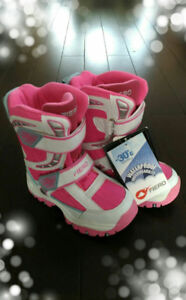 Snow Boots size 13 for kids . (100% brand new)