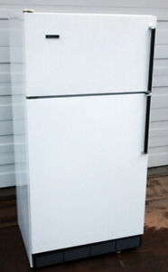 Westinghouse Apartment Size Fridge - Very Good Condition, cold