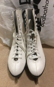 Leather ice skates, size 6