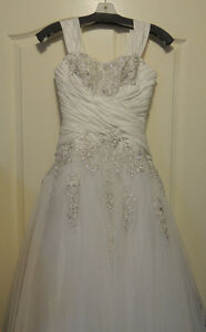 Beautiful Princess style wedding dress:with appliques & ruching