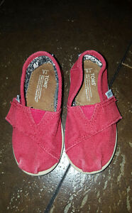 Red Tom's Shoes size 6 Toddler