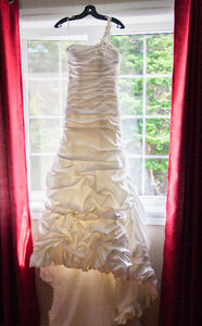 Wedding Dress for Sale and hairpiece