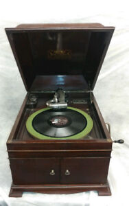 Victor Victrola VV-IX Table Top Phonograph