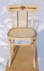 Chaise bistro en bois appliqués fleurs jolie finition bourgogne Saint-Hyacinthe Québec image 8