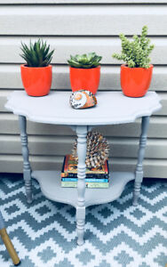 Gorgeous Twin Solid Wood Side Tables