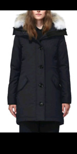 Brand new Canada goose Women's Rossclair Parka Navy M.