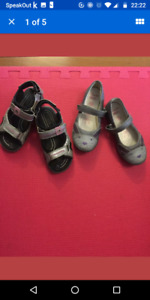 2 Pairs of Girl's Shoes - Ecco, Clarks size 10-11