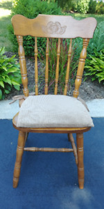 4 Wooden Colonial Style Chairs