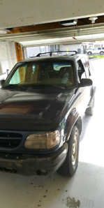 1999 Ford Explorer 4x4!! Great Year Round Vehicle!!