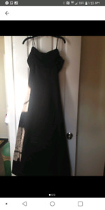 $10$ Long Graduation Dress Black (Size 6)